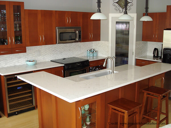 Keeping-the-Countertops-Clean
