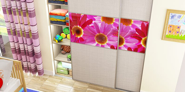 Wardrobes-for-Small-Spaces-Open-and-Close