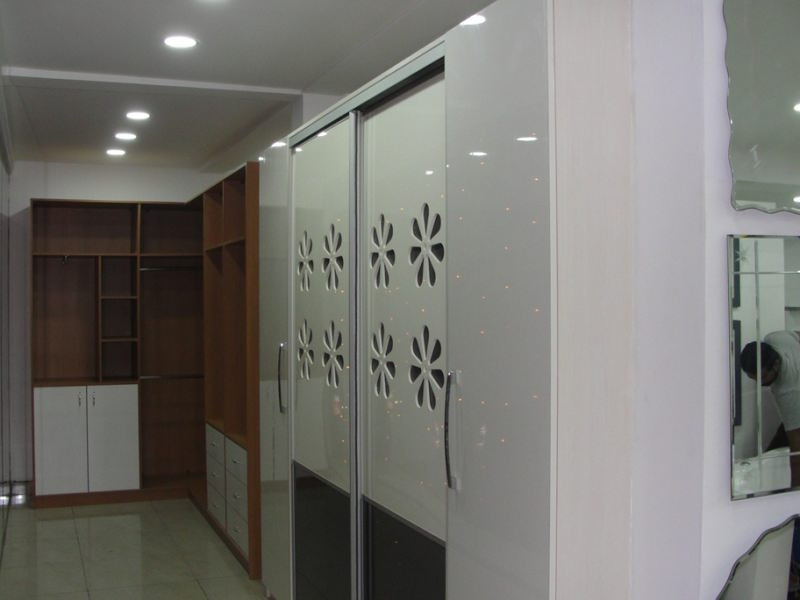 Calicut showroom 1