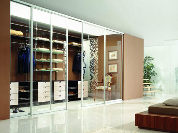 Wardrobe-Organised-1