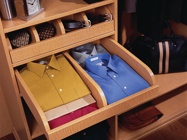 Wardrobe-organiser-Pull-out-shelves