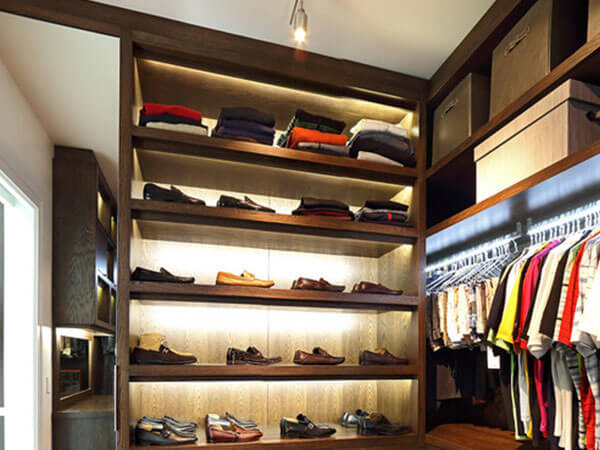 Wardrobe-organiser-Shelves-with-led