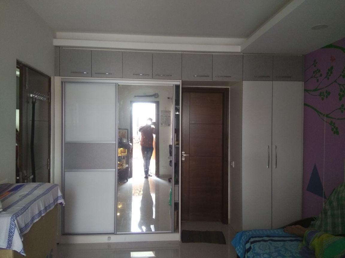 SLIDING DOOR WARDROBE_MBR-VENUGOPAL_ALKAPURI COLONY